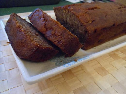 עוגת בננה ותבלינים מהירה (או, איזה כיף שמתחילים!)